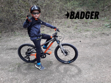 """Първият отзив от новия детски модел DRAG Badger: """"един щастлив малък байкър и един спокоен баща"""""""